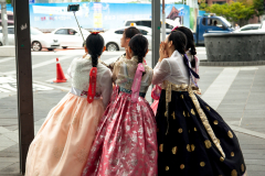 Korean girls in their rented Hanbok getting ready to go to Gyeongbokgung palace.
